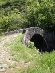 Sur le chemin argentierLe pont du Cayla