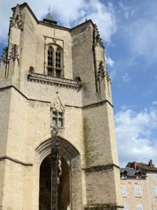 Visiter la collégialeVillefranche-de-Rouergue
